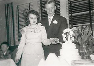 Tinseth_Joyce&Warren_Wedding_19520223