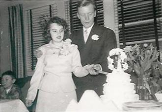 Tinseth_Joyce&Warren_Wedding_19520223